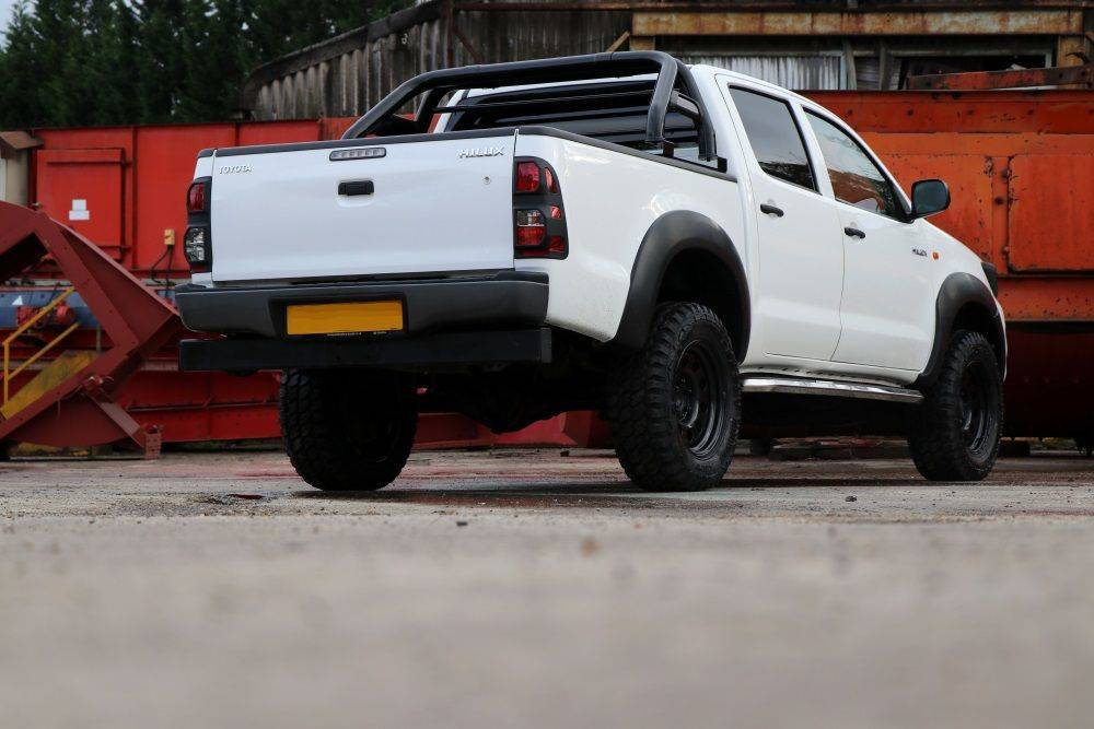 SEEKER Biglux TOYOTA HILUX CONVERSION