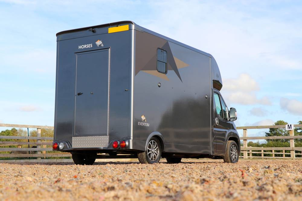 Eventer Pro 3.9 Tonne A Seeker Hunter Horsebox Conversion