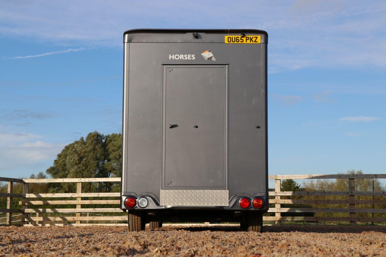 Peugeot Boxer 2.2 3.5 ton  180 BHP Horsebox 1100 payload sat nav air con  £229 a month no deposit  December delivery Commercial Diesel Grey